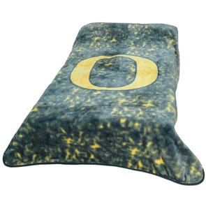 College Covers University of Oregon Throw Blanket