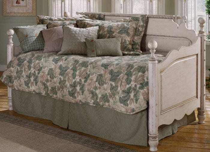 Hillsdale Furniture Wilshire Daybed With Free Mattress