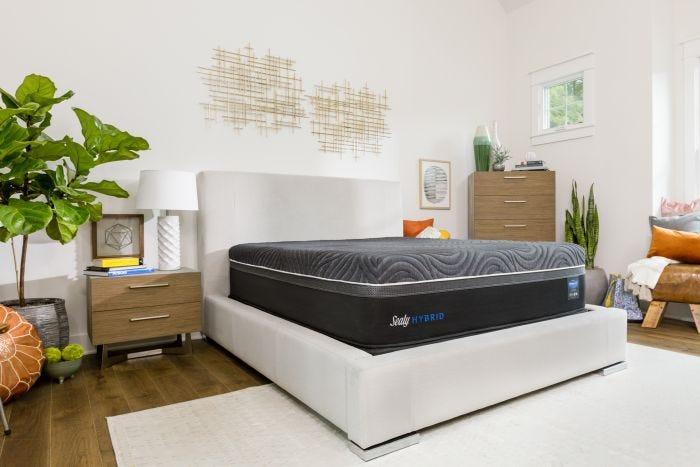 Queen Sealy Posturepedic Hybrid Premium Silver Chill Firm Mattress