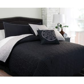 Hallmart Mila Coverlet Set