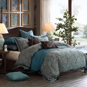 Hampton Hill Lauren Comforter Set by JLA Home