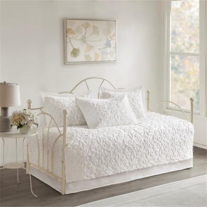 Madison Park Sabrina 5 Piece Cotton Chenille Daybed Set in White by JLA Home
