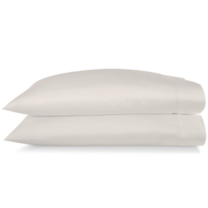Peacock Alley Lyric Standard Pillow Cases in Platinum