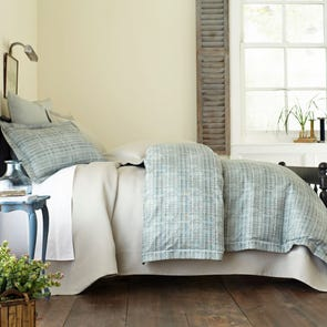 Peacock Alley Biagio Jacquard Queen Duvet Cover in Mist