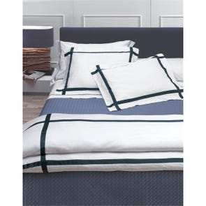 RB Casa Lucca Queen Bed Set