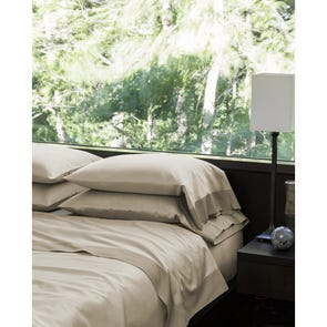 SFERRA Larro Queen Fitted Sheet in Nougat
