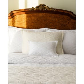 SFERRA Franca Full/Queen Quilt in Ivory