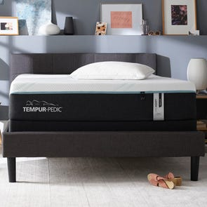 Cal King Tempurpedic Tempur Pro Adapt Medium Hybrid 12 Inch Mattress + FREE $200 Gift Card